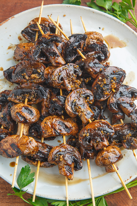 Balsamic Garlic Grilled Mushroom Skewers 800 1113